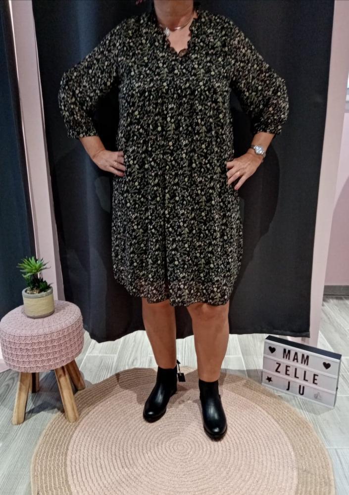 Vente de vêtements pour femme à Douai