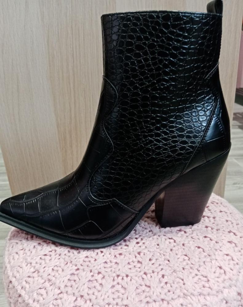 Vente de sacs et chaussures pour femme Douai